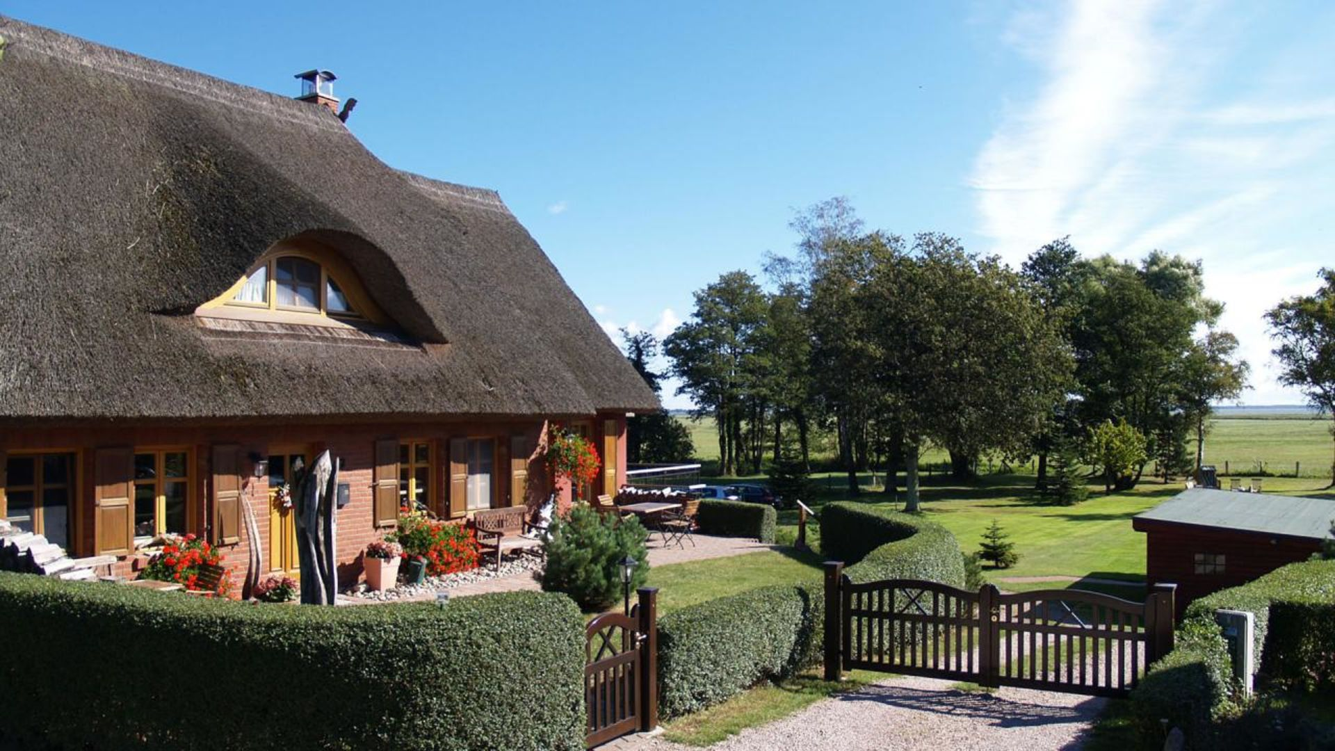 Living under a thatched roof